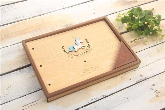 Dřevěné album, 190x270mm, 28 listů, jednorožec