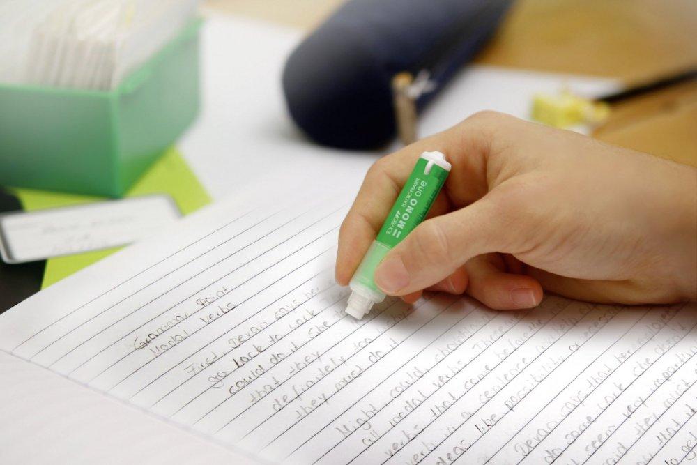Gumovací tužka Mono One