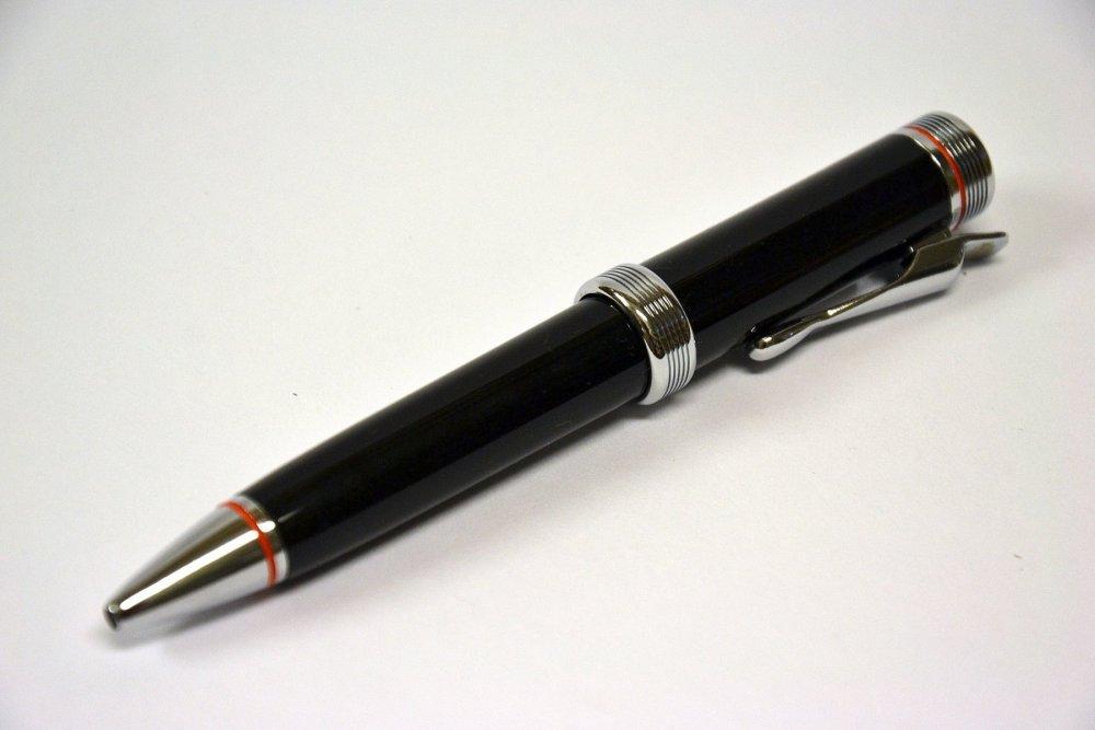 Kuličkové pero černé
