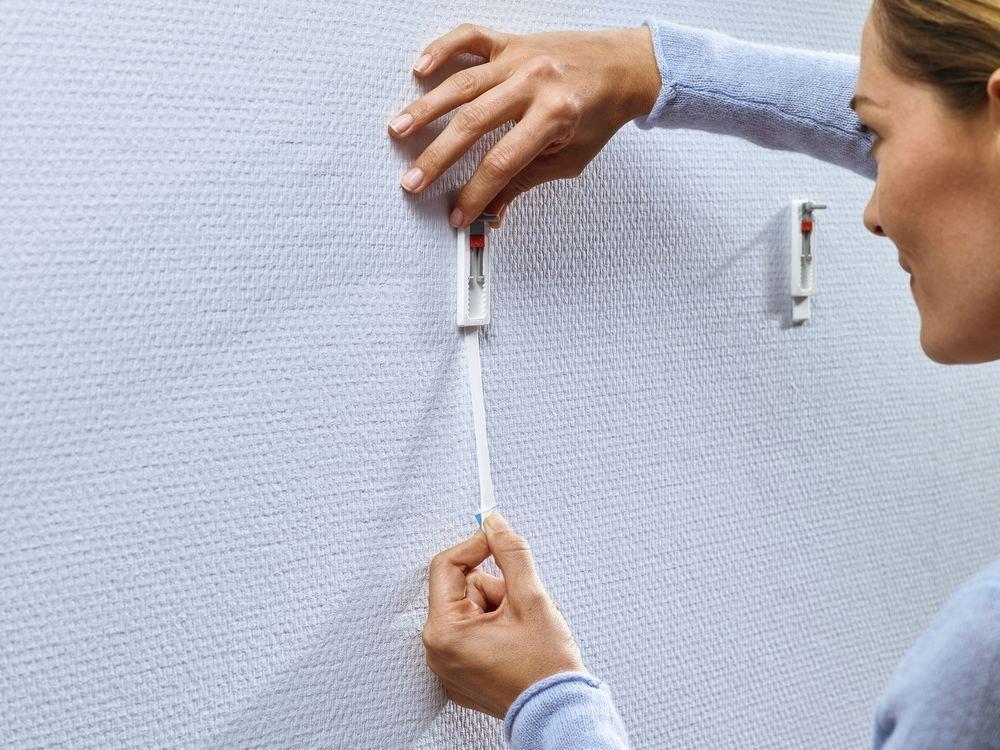 Nastavitelný nalepovací šroub na tapety a omítku 1kg