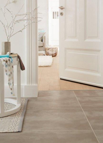 Kartáčová ALU lišta pod dveře, pro nerovné podlahy, zasunovatelná, elox hliník, 1m x 1,5mm