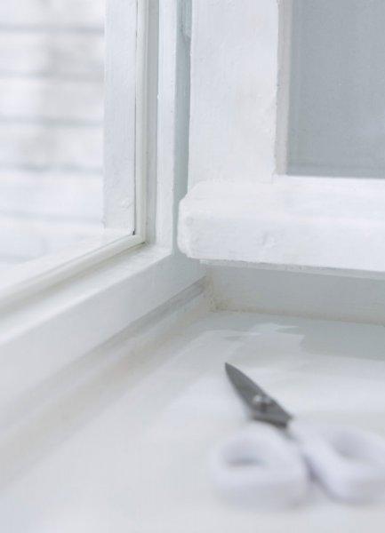 Gumové těsnění, hnědé, na okna a dveře, E profil, 6m